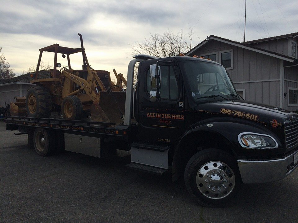 No matter the vehicle, Rocklin AceTowing is ready to tow it. We tow tractors, golf carts, riding mowers, ATVs and more. If you need it towed, Rocklin Ace Towing can tow it.