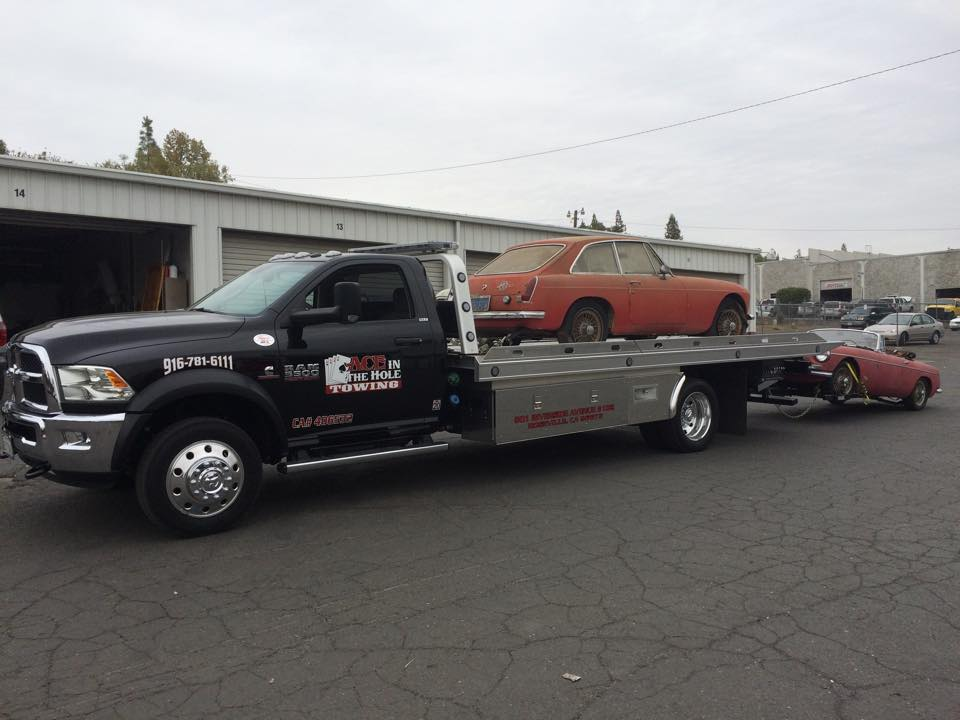 Why tow only one MG, when you can tow two? With our fleet of flatbed tow trucks, towing two vehicles at a time is easy.